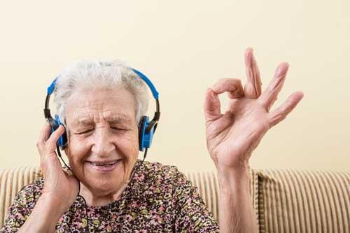 auriculares inalámbricos para TV para personas mayores