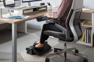 reposapiés para oficina